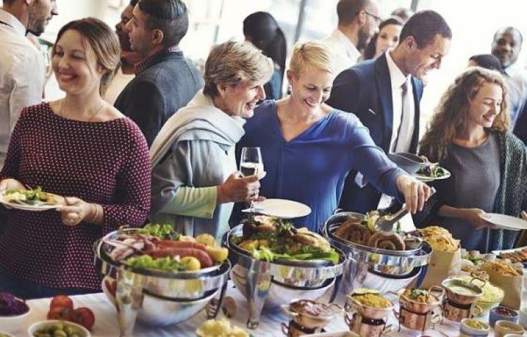 Mách bạn cách để thoải mái ăn uống trong kỳ nghỉ lễ mà không cần phải lo lắng về cân nặng