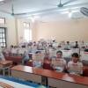 'Trường dạy kiểu gì mà 42/43 em một lớp có giấy khen học sinh giỏi'