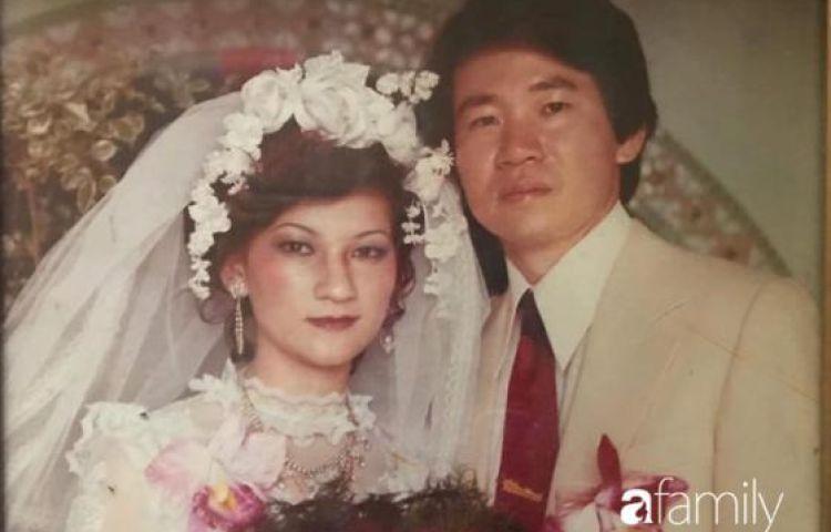"""Nàng dâu Việt mang chuyện bố mẹ chồng Đài U70 vẫn tình tứ nắm tay dạo phố, đắp mặt nạ cho nhau khoe trên hội nhóm khiến """"dân tình"""" bấn loạn nhìn lại mình"""