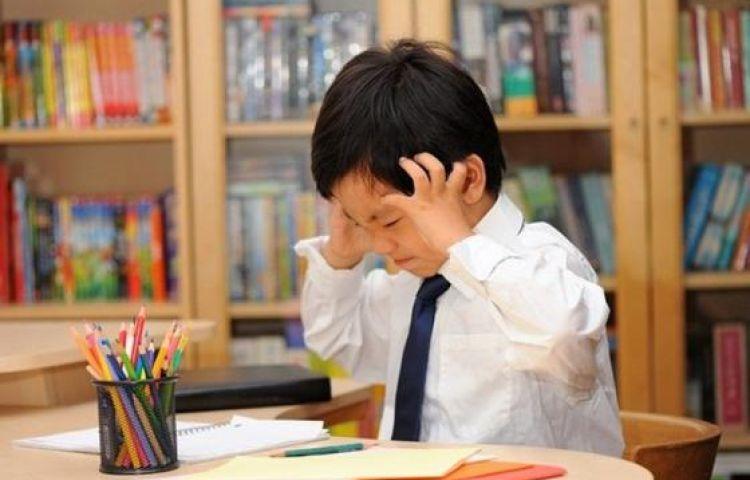 4 sai lầm cha mẹ thường mắc phải khi con học kém
