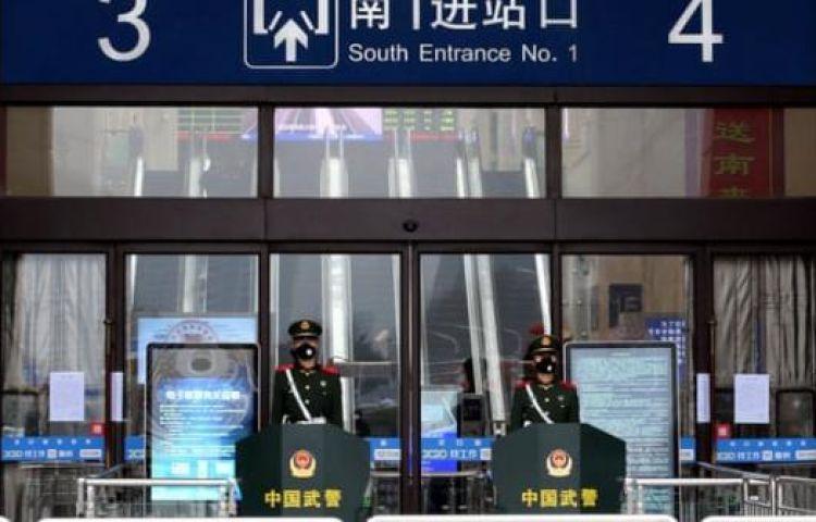 """Người dân Vũ Hán lo sợ khi bệnh viện quá tải: """"Virus truyền nhiễm có thể đang ở ngay bên cạnh mà bạn không biết"""""""