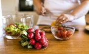 6 lời khuyên dinh dưỡng cho phụ nữ sau tuổi 40