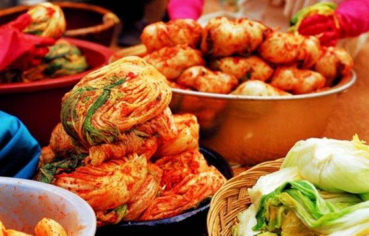 Hướng dẫn tự muối kimchi cải thảo tại nhà theo công thức của người Hàn
