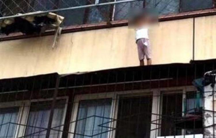 Con trai rơi từ tầng 2 xuống, bà mẹ hét lớn 'Đừng cứu nó', bác sĩ khen Mẹ làm tốt lắm