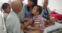 https://www.kenh7.net/thumb/thumb.php?src=/images/stories/content/2021/09/14/1_nguoi-me-nhat-cua-hang-nghin-tre-em-viet-nam.jpg&w=262&h=140&zc=1&q=80&a=c